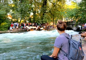 Eisbach Wave, Win a Postcard