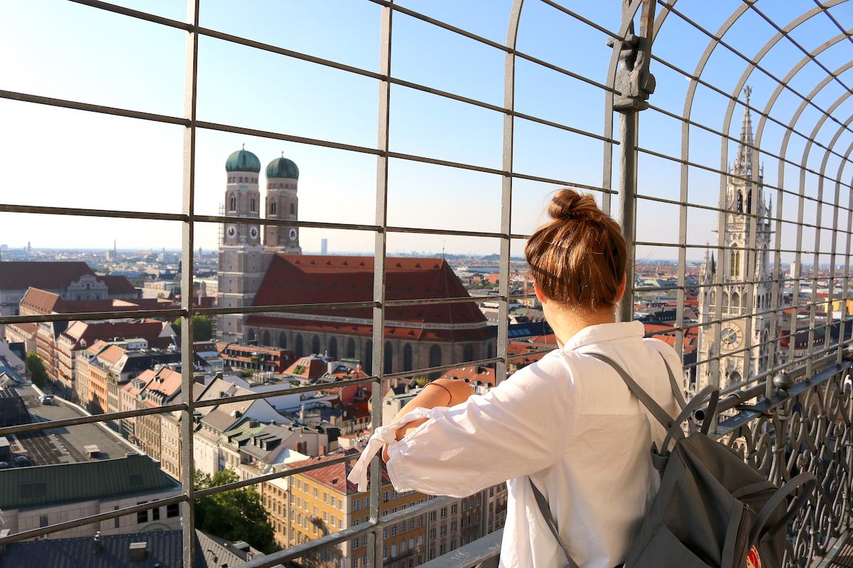 St. Peter's Church in Munich, Win a Postcard