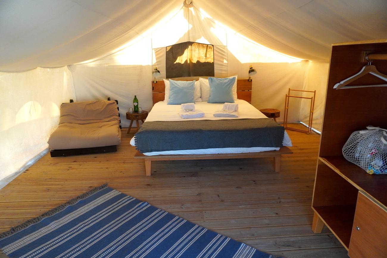 Bukubaki Eco Surf Resort, tent